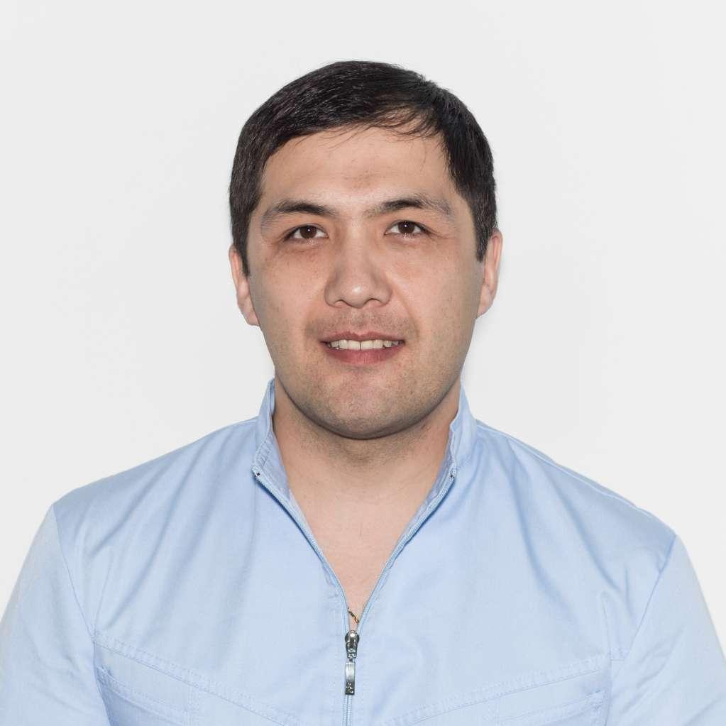 врач хирург, кандидат медицинских наук Гармаев Александр Шагжиевич